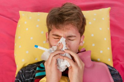 """""""הילד בן שלושים, יש לו חום גבוה"""" – טיפול נפשי לצעירים"""